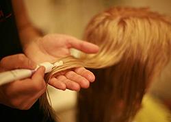 Сухие ломкие волосы - причины, симптомы, диагностика и лечение